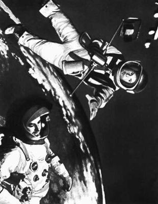 Кадр из фильма 2001 космическая