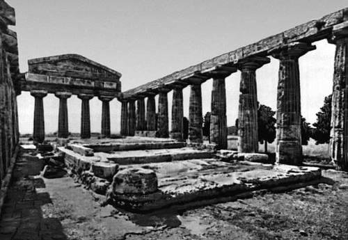 Деметры в посейдонии древняя греция